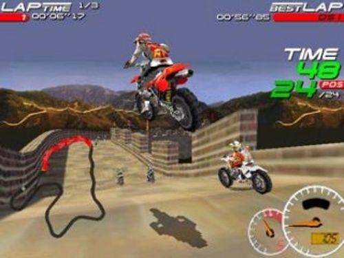 Moto Racer DS acelera en tu DS.